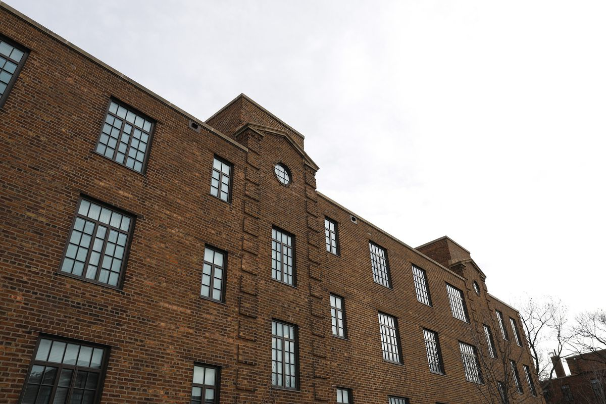 Tax Credit Program Offers Housing In Poor, Black Areas in The Windy City