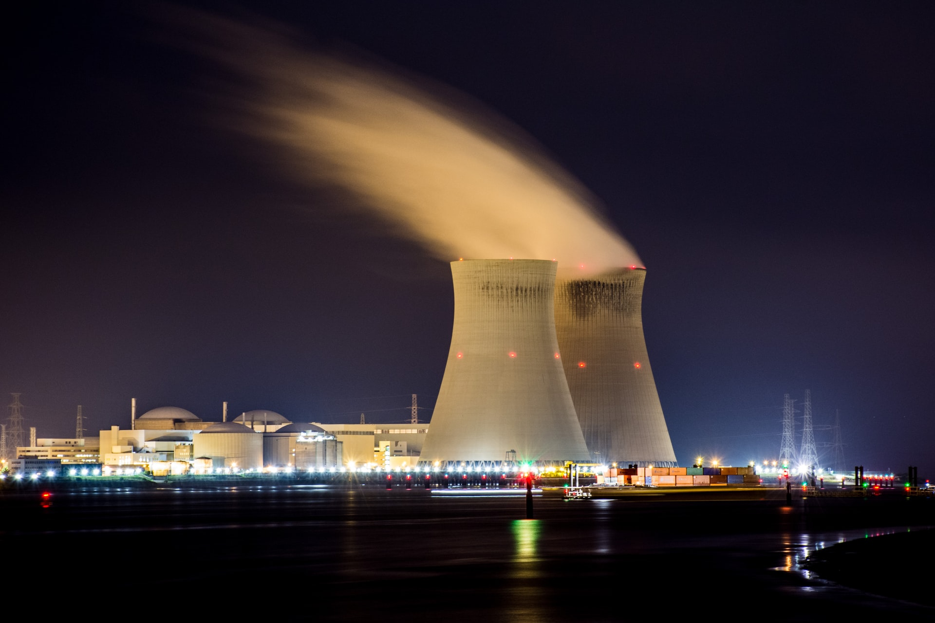 Energy Bill in Limbo as Midwest State Braces for Nuclear Closure